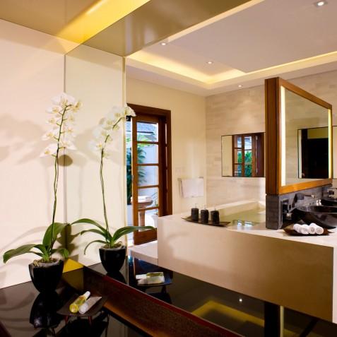 The Istana Bali - North East Bathroom - Uluwatu, Bali