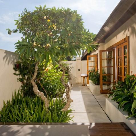 The Istana Bali - South West Bathroom - Uluwatu, Bali