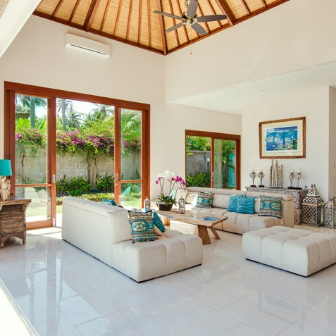 Tirta Nila Beach House, Candidasa, Bali - Lounge