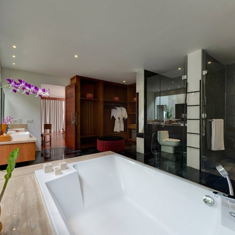 Villas Asada, Candidasa, Bali - Downstairs Master Bathroom