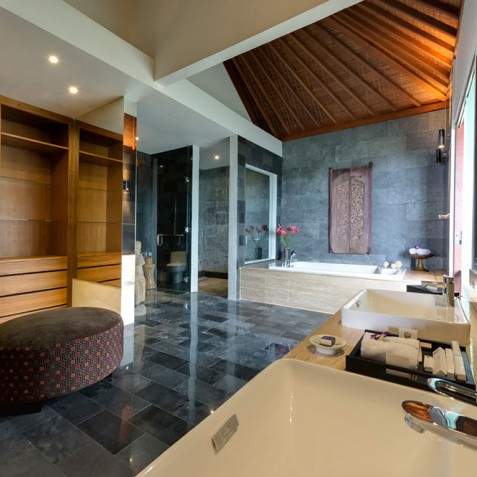 Villas Asada, Candidasa, Bali - Upstairs Master Bathroom