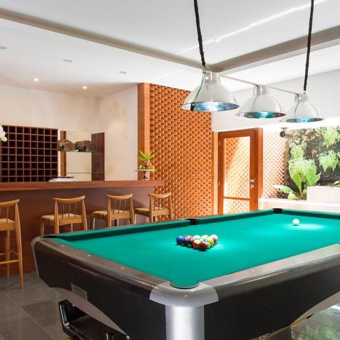 Villa Bayu Gita Beachfront Bali - Bar and Pool Table