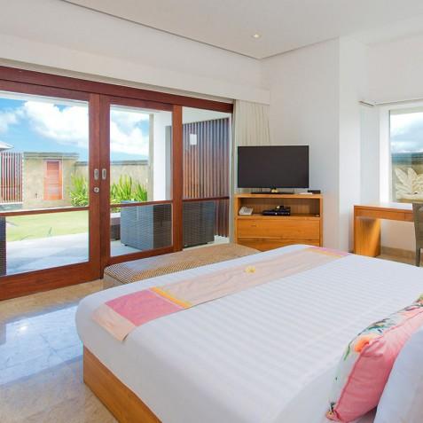 Villa Bayu Gita Beachfront Bali - Downstairs Guest Bedroom