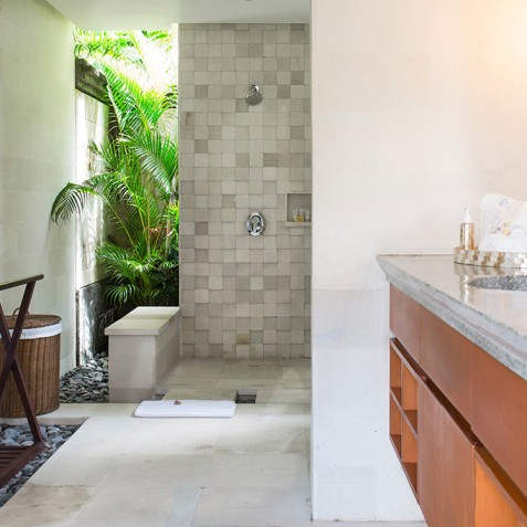 Villa Bayu Gita Residence Bali - Bedroom One Ensuite