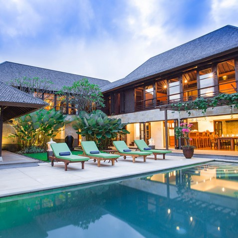 Villa Bayu Gita Residence Bali - Poolside at Dusk