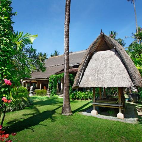 Villa Hibiscus, Sanur, Bali - Garden Bale