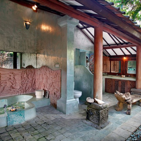 Villa Hibiscus, Sanur, Bali - Master Bathroom