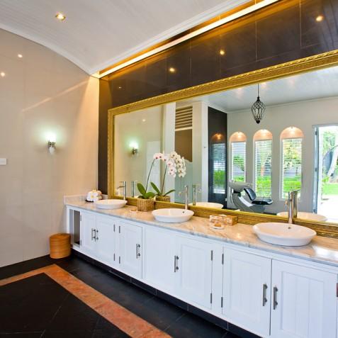 Villa Puri Nirwana, Sanur-Ketewel, Bali - Master Bathroom