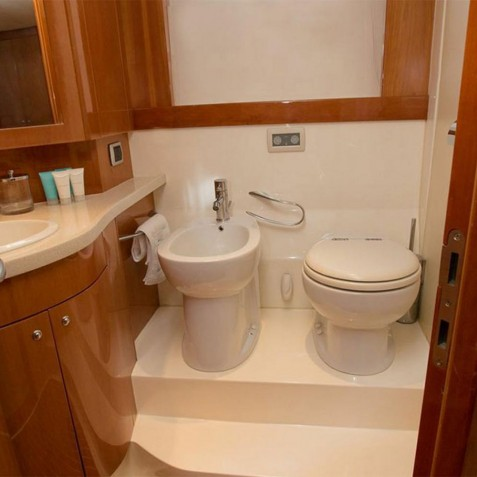 Bathroom - Burjuman - Luxury Yacht Charter, Bali, Indonesia