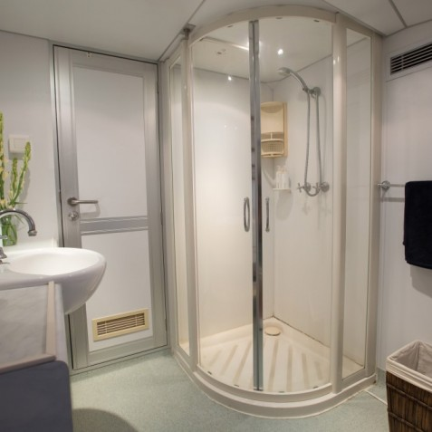 Shower - Haruku - Luxury Yacht Charter, Bali, Indonesia