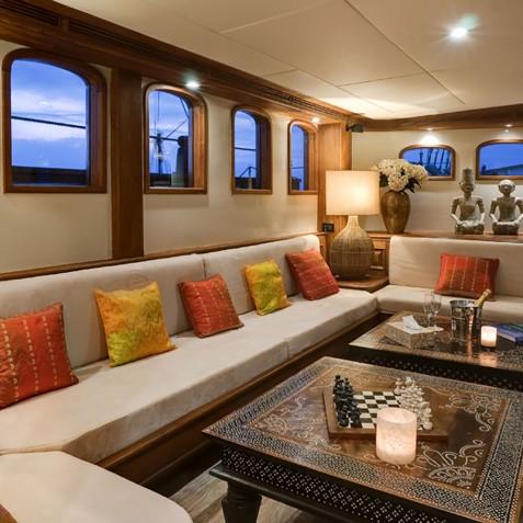 Lounge - Mutiara Laut - Luxury Yacht Charter Indonesia