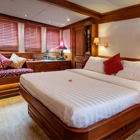 VIP Suite - Mutiara Laut - Luxury Yacht Charter Indonesia