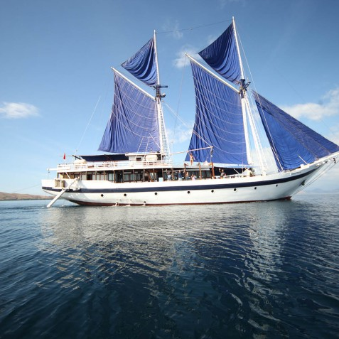 Exterior - Ombak Putih Cruises - Sailing Adventures - Indonesia