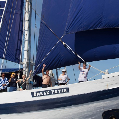 Guests - Ombak Putih Cruises - Sailing Adventures - Indonesia