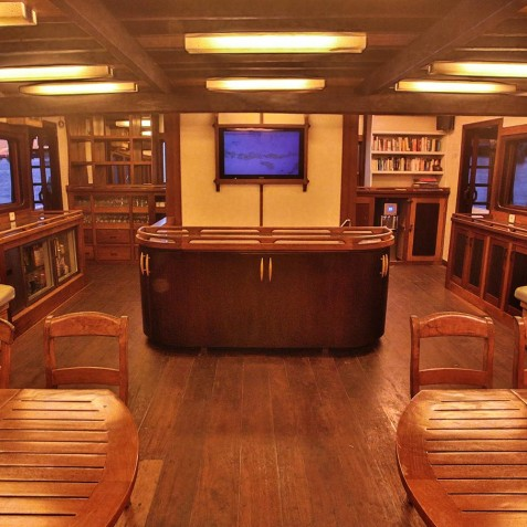 Saloon - Ombak Putih Cruises - Sailing Adventures - Indonesia