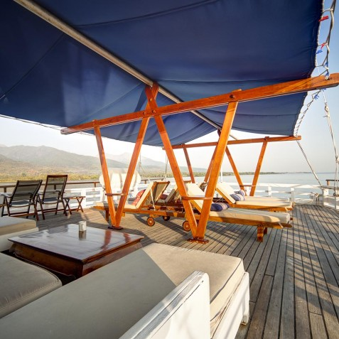 Upper Deck Lounge - Ombak Putih Cruises - Sailing Adventures - Indonesia