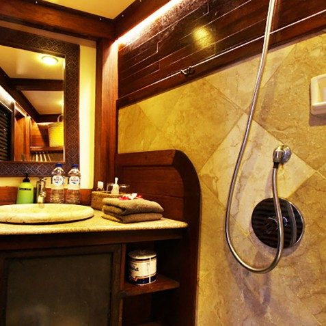Ensuite - The Katharina - Sailing Adventure Cruises Indonesia