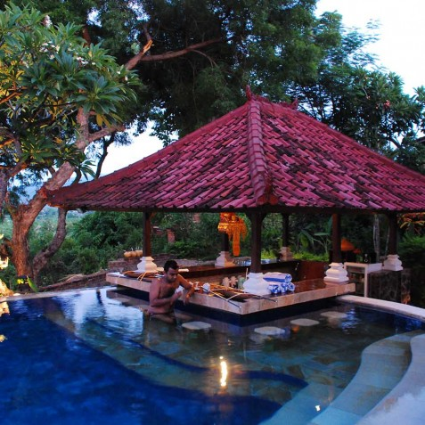 Pool Bar - Zen Resort Bali - Indonesia