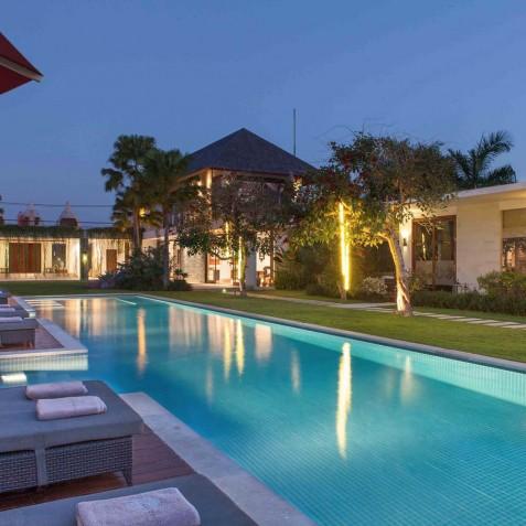 Villa at Dusk - Cocoon Villa - Cocoon Medical Spa Retreat, Seminyak, Bali