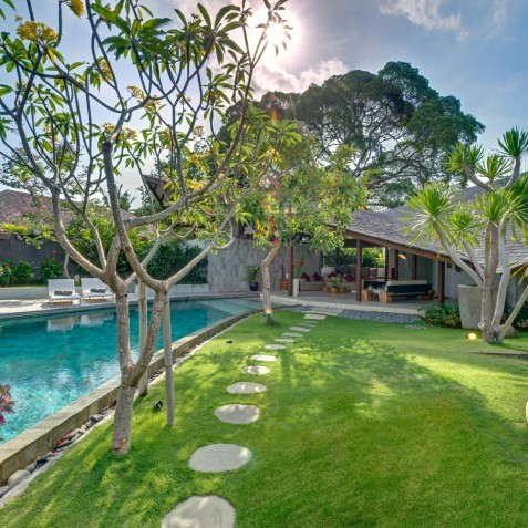 The Layar - 3 Bedroom Villa - Garden & Pool - Seminyak, Bali