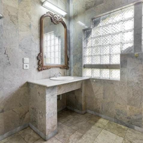 Krishna Bathroom - Bali Vitality Detox Retreats - Ubud, Bali, Indonesia