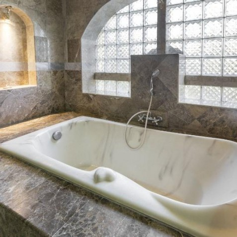 Lakshmi Bathroom - Bali Vitality Detox Retreats - Ubud, Bali, Indonesia