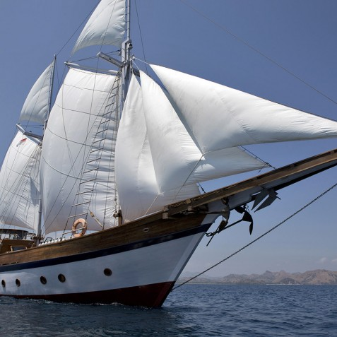 Mantra - Luxury Indonesian Phinisi Charter Yacht