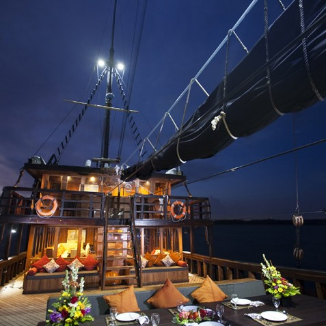 El Aleph - Adventure Indonesian Phinisi Charter Yacht