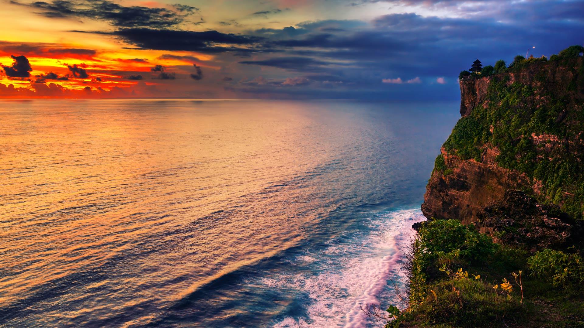 Uluwatu Travel Guide - Ultimate Bali