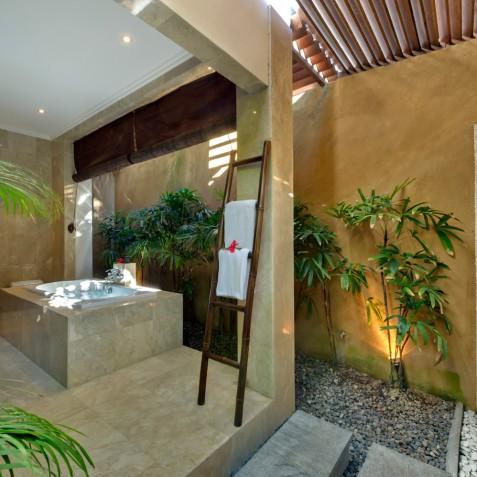 Villa Kalimaya IV - Guest Ensuite Bathroom - Seminyak, Bali