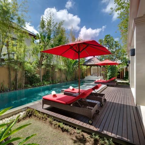 Villa Kalimaya IV - Pool Deck and Sun Loungers - Seminyak, Bali