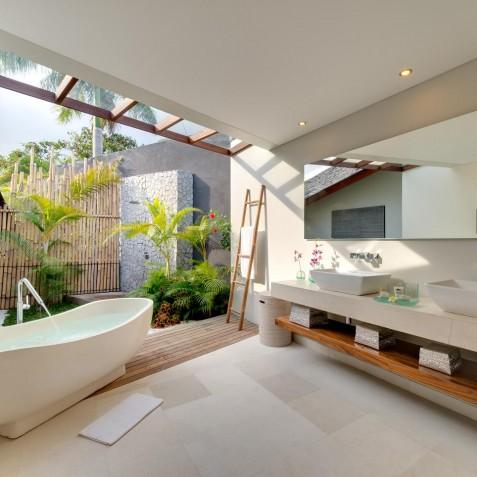 The Layar - 4 Bedroom Villa - Ensuite Bathroom - Seminyak, Bali