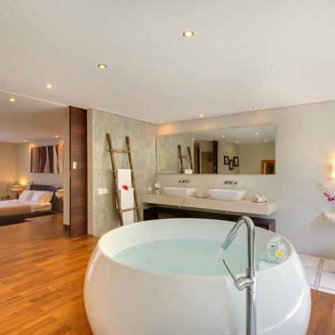 The Layar - 2 Bedroom Villa - Bathtub - Seminyak, Bali