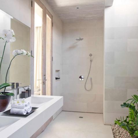 Villa Adasa - Guest Bathroom - Seminyak, Bali