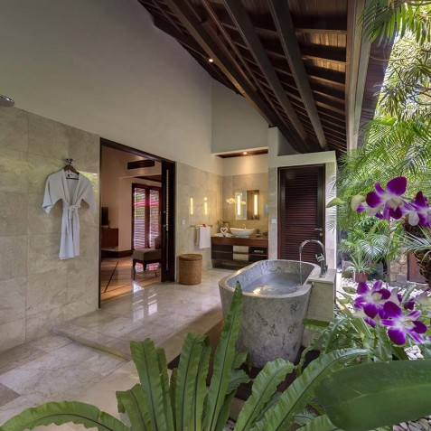 Villa Asta Bali - Master Bedroom Ensuite Bathroom - Seminyak, Bali