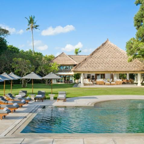 Villa Atas Ombak Bali - Pool and House - Seminyak, Bali