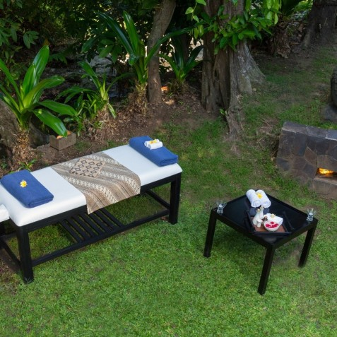 Villa Bunga Pangi Bali - Massage in Garden - Canggu, Bali
