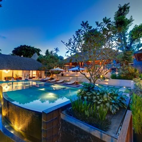 Villa Bunga Pangi Bali - Villa at Dusk - Canggu, Bali