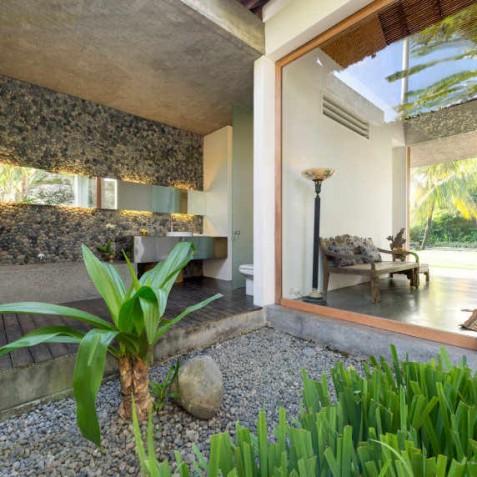 Villa Coco Groove Bali - Guest Bedroom One Ensuite Bathroom - Seminyak, Bali