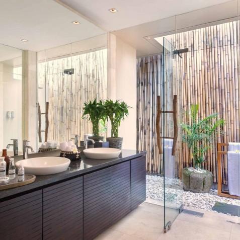Villa Eshara II - Ensuite Bathroom - Seminyak, Bali