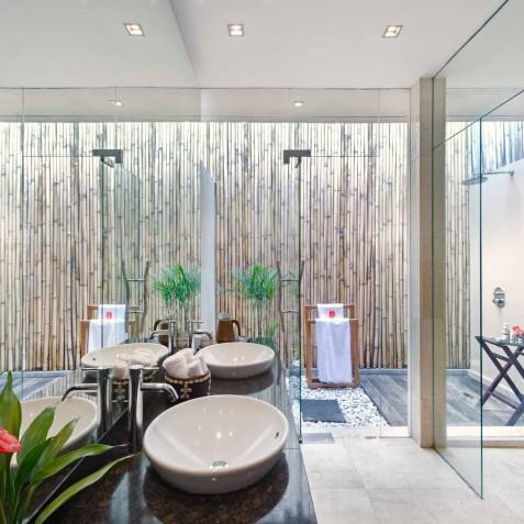 Villa Eshara II - Outdoor Ensuite Bathroom - Seminyak, Bali