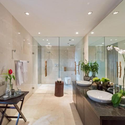 Villa Eshara III - Ensuite Bathroom - Seminyak, Bali