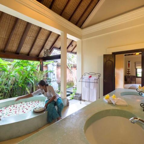 Villa Frangipani Bali - Master Bathroom - Canggu, Bali