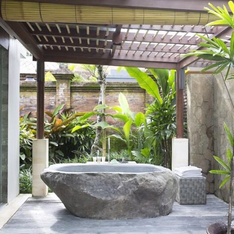 Villa Iskandar Bali - Seseh-Tanah Lot, Bali - Master Suite Bathtub