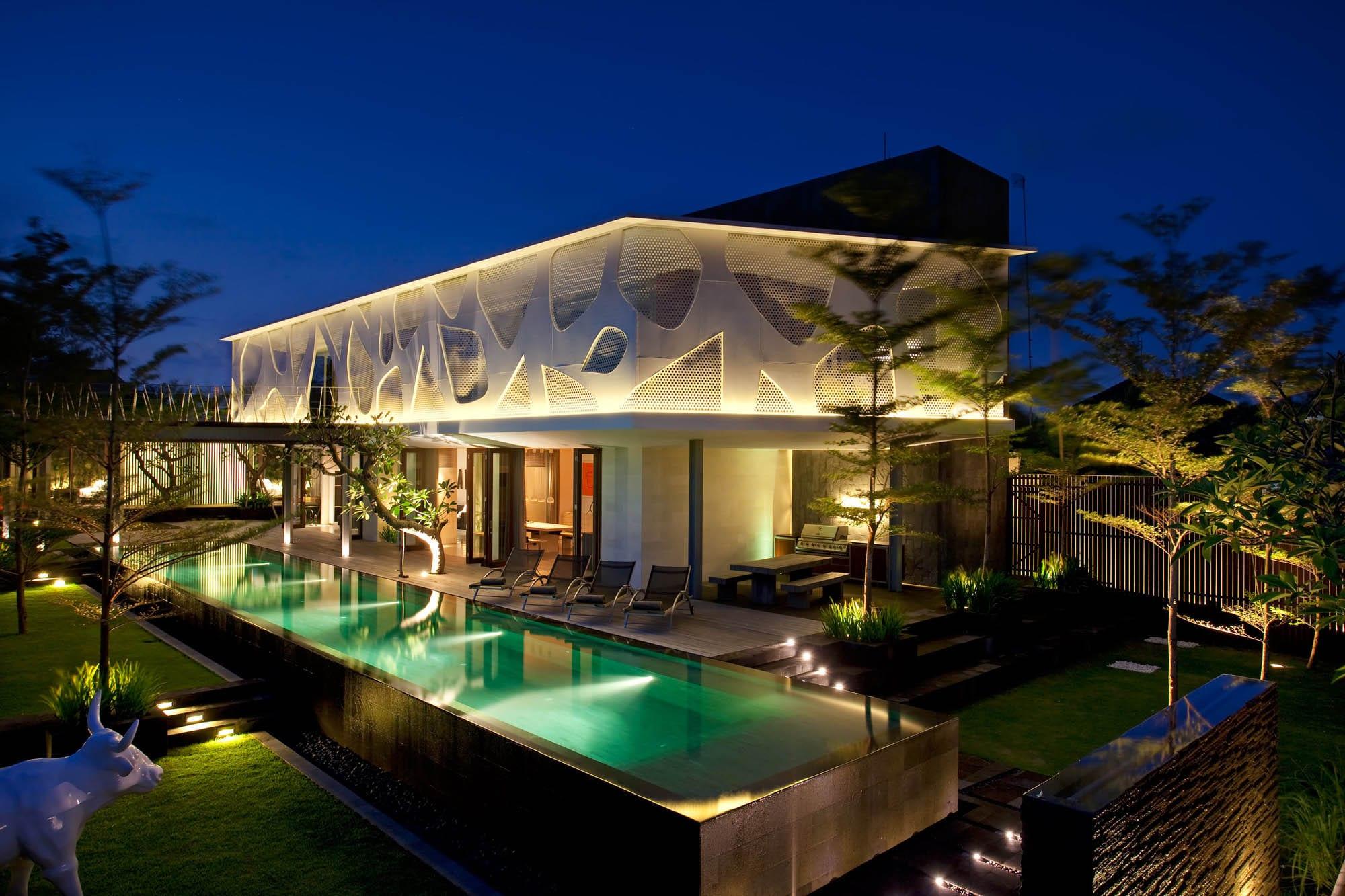 Villa Issi - Villa by Night - Seminyak, Bali