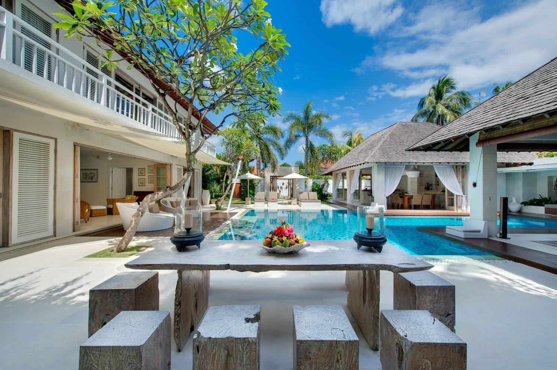 Villa-Jajaliluna-Bali-Alfresco-Dining