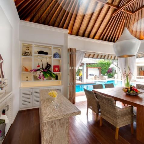 Villa Jajaliluna - Dining Room Day Time - Seminyak, Bali