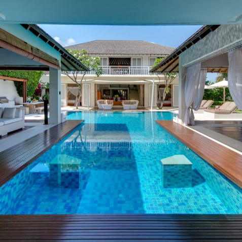 Villa Jajaliluna - Pool between Media & Dining Rooms - Seminyak, Bali