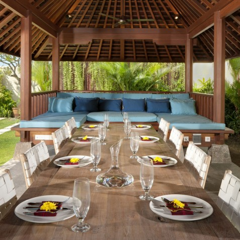 Villa Joss - Outdoor Dining Area in Bale - Seminyak, Bali