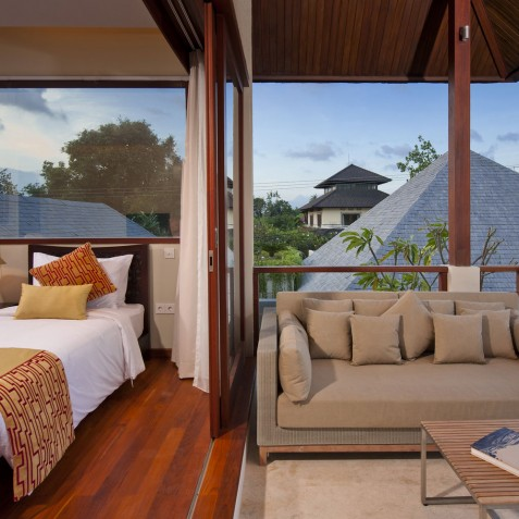Villa Joss - Batu Belig Suite Balcony - Seminyak, Bali